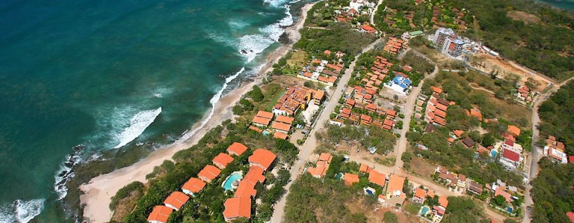 1024px-Costa_Rica_Playa_Langosta_and_Isla_Capitan_2007_Aerial_Photograph_Tamarindowiki_02